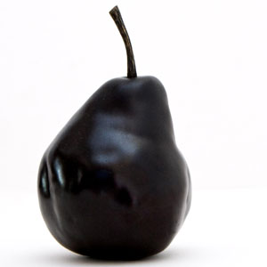 Black: the colour of dis pear! (Yes, I know. I'm sorry).